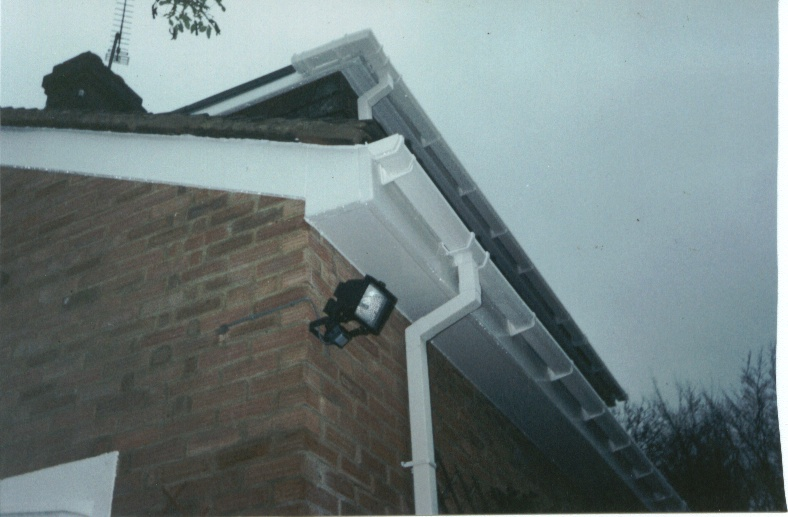 This example shows white UPVC square line guttering