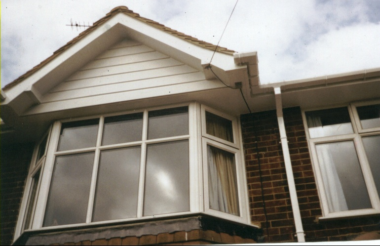 This example shows square line guttering